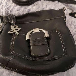 B Makowsky leather purse